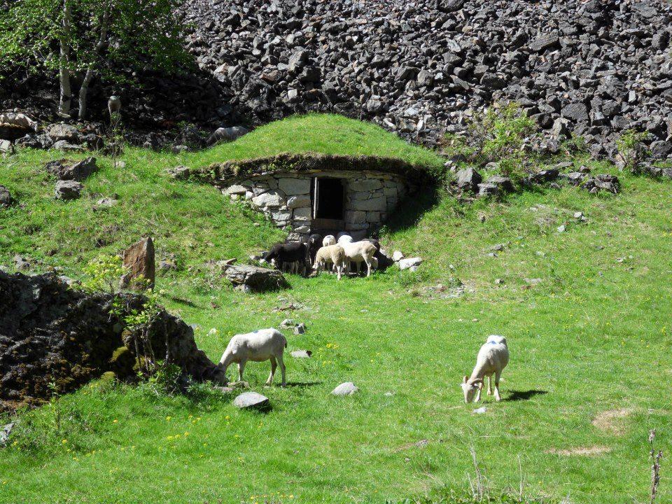 Pyrenean-refuges.jpg#