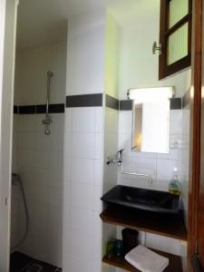 Hotel Templiers Room 8 bathroom