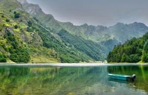 le-lac-destaing-dans-les-pyrenees