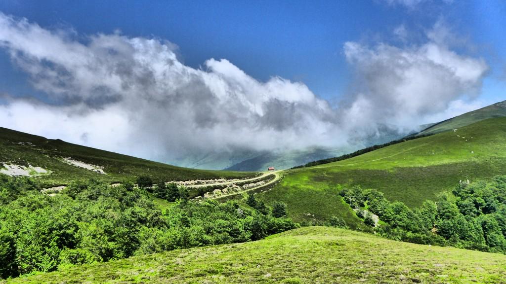 Pyrenees_panorama_camino